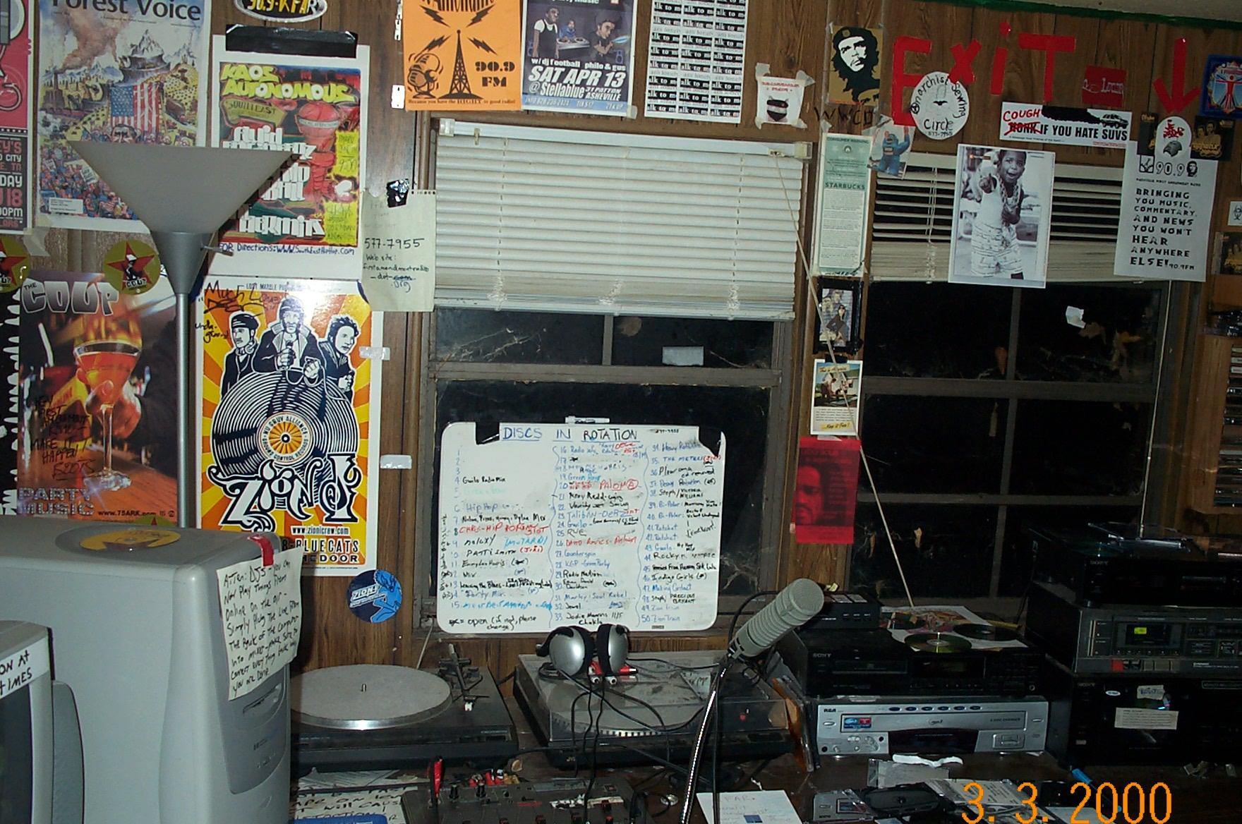 radiostation1.jpg